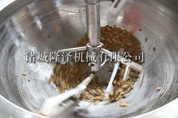 电磁炒锅炒杏鲍菇现场图